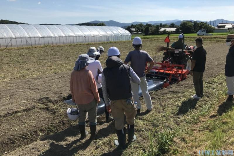 脚光浴びる「農機シェア」。その成否は国内農業の活力を取り戻す試金石になる