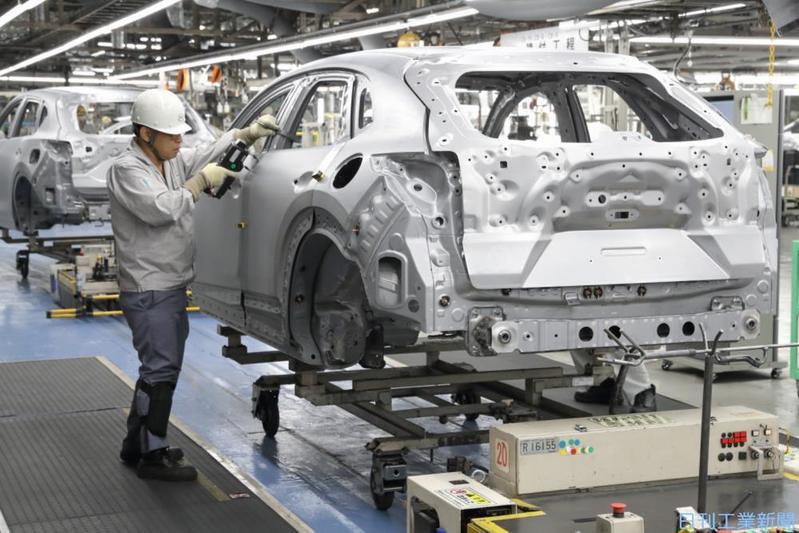 """自動車産業、コロナ禍で「CASE」以外の設備投資に""""ブレーキ"""""""