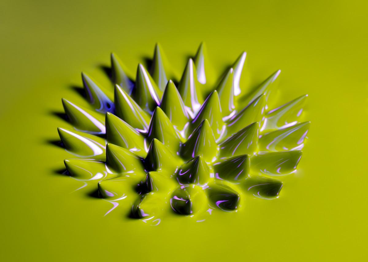 フェローテックが世界初の「蛍光磁性流体」、何ができる?