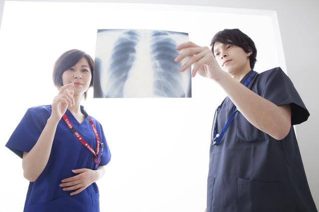 """開業ではなく""""起業する医師""""が急増中、背景に医療現場への危機感"""
