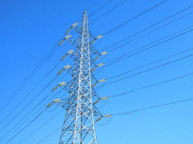 なぜ電線は雨ざらしでも平気なの? 知ってるようで知らない電線の秘密