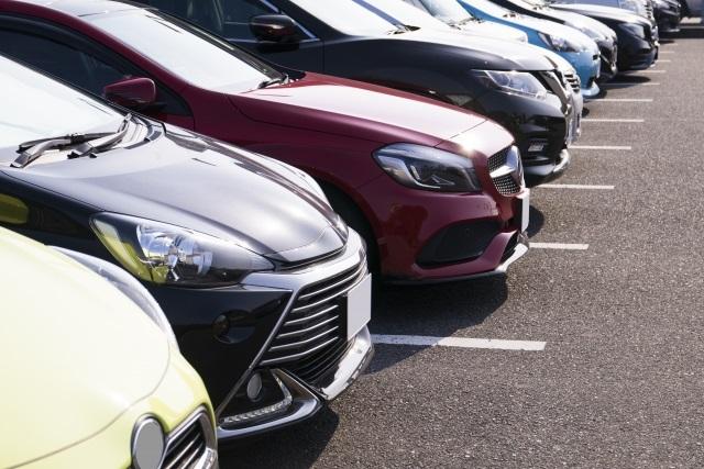 トヨタも6カ月ぶり減。自動車メーカーが米中市場の新車販売で大苦戦