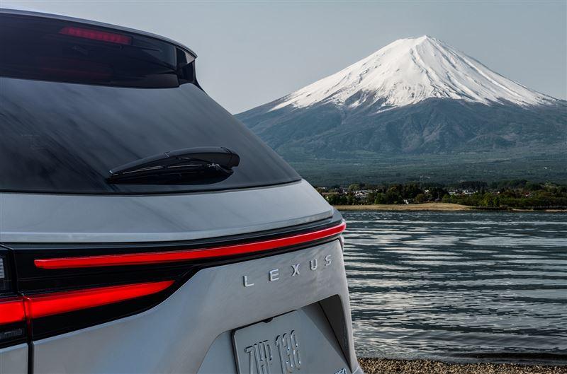 新レクサスSUVに搭載、トヨタが新型2400ccエンジン量産へ