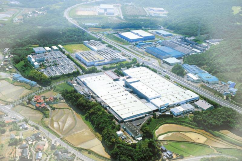 THKが半導体製造装置向け「超精密LMガイド」を大幅増産