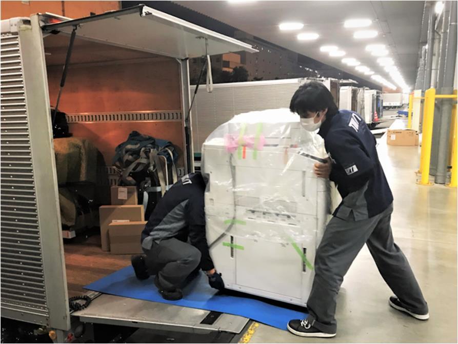ライバル関係の事務機器メーカーがタッグ!共同配送で輸送コスト抑制へ